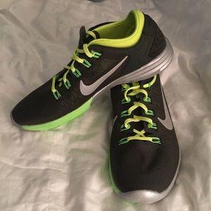 Nike Lunar Hyperworkout Xt Fitness Women's Shoes